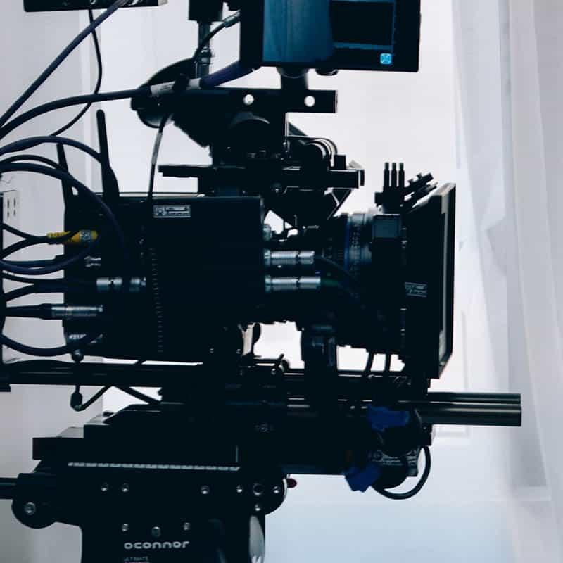 Filmkamera auf einem Stativ
